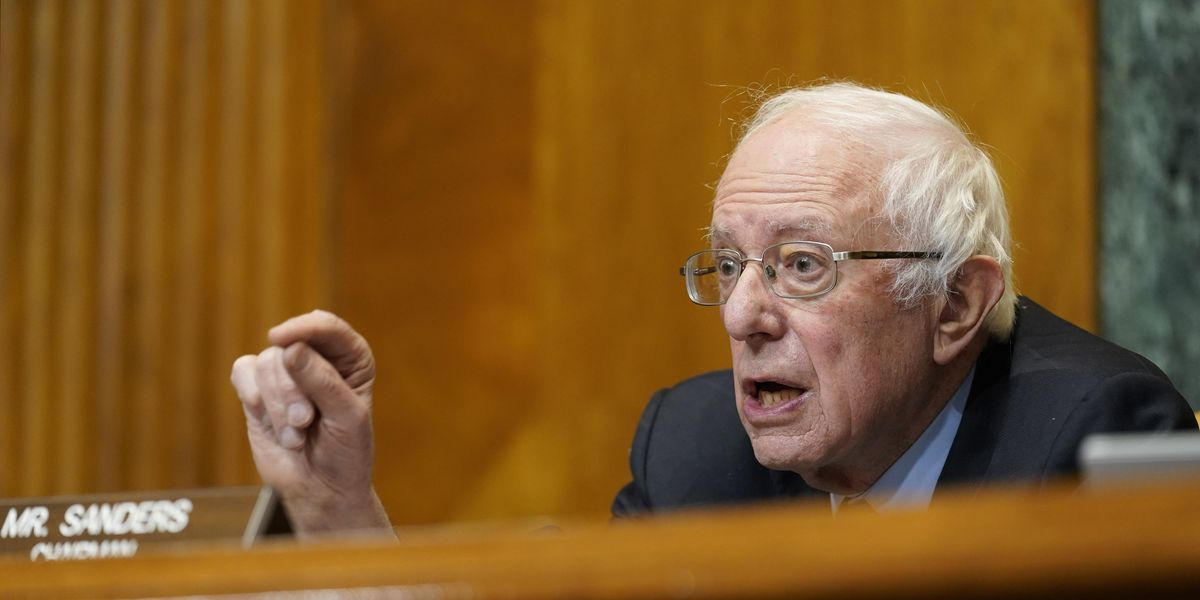 Opinion: Bernie Sanders wants us to experience a romantic life again